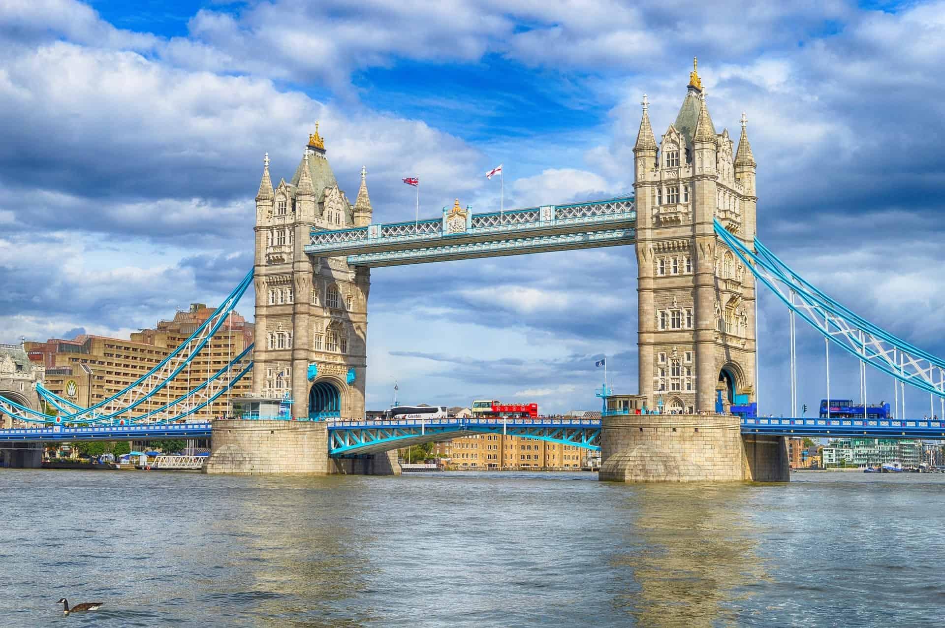 tower-bridge-london-elizabeth-george-lynley